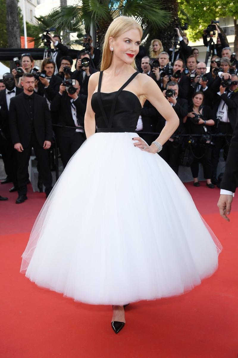 Nicole-Kidman-Calvin-Klein-By-Appointment-Ballerina-Dress-Cannes-2017-2.jpg