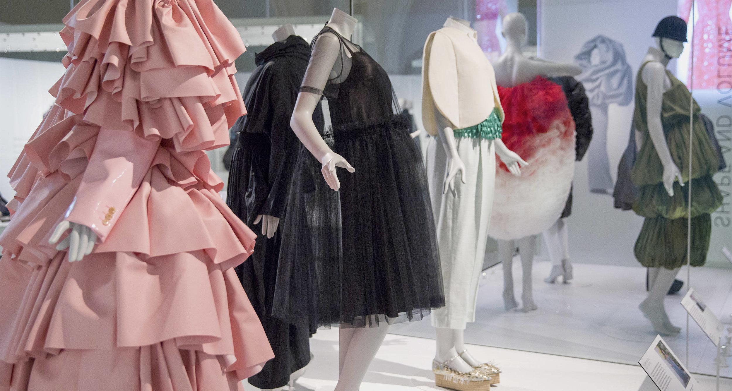 Balenciaga_Shaping_Fashion_9.jpeg