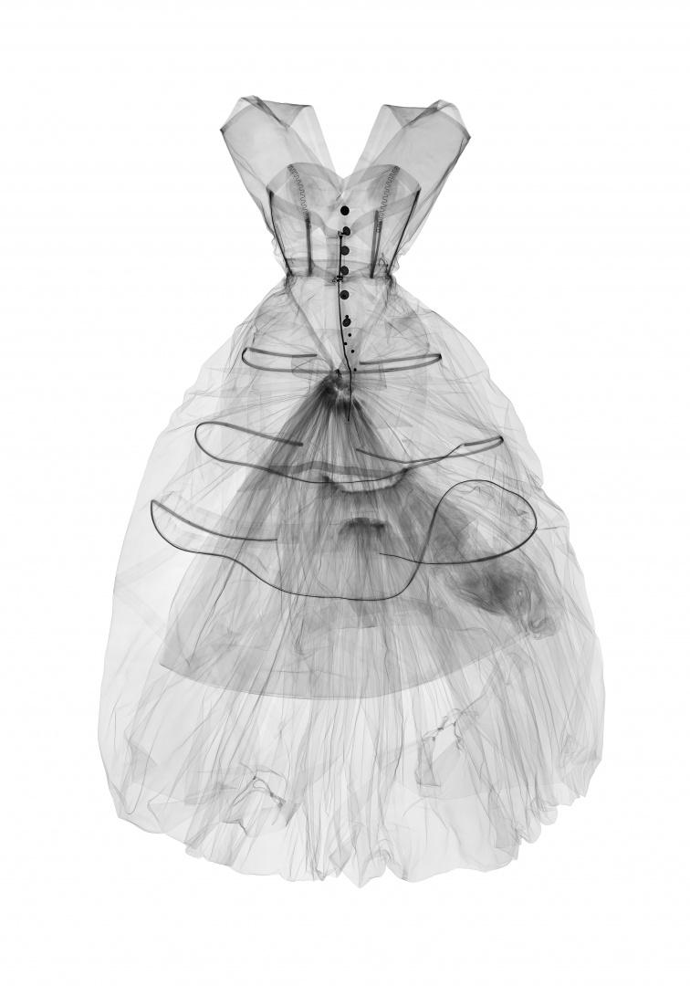 Balenciaga_Shaping_Fashion_5.jpg