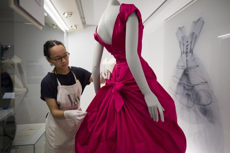 Balenciaga_Shaping_Fashion_7.jpg