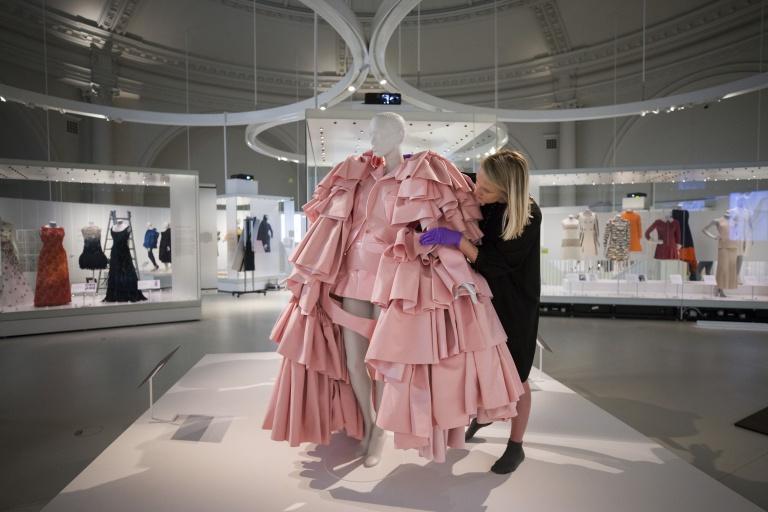 Balenciaga_Shaping_Fashion_8.jpg