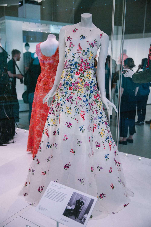 Balenciaga_Shaping_Fashion_16.jpg
