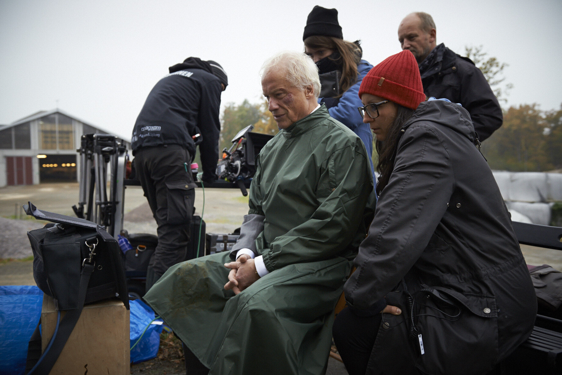 """Director Thérèse Ahlbeck and actor Loa Falkman on set of """"Lost in Stångby"""" Photo: Peo Olsson. Tiny Lumberjack copyright."""