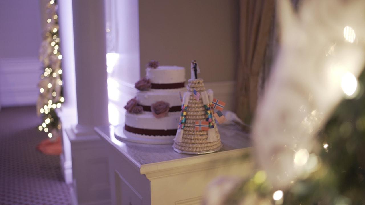 wedding cakee.JPG