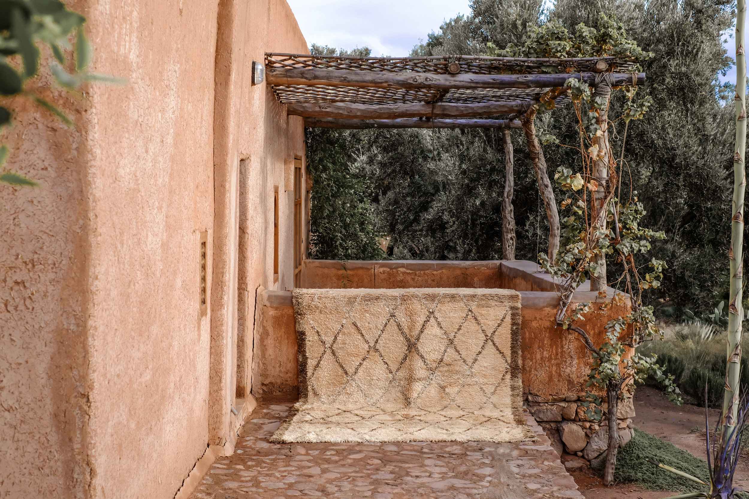berber rugs  - 100% wool, authentically woven in looms in the middle atlas region of morocco by berber women skilled in weaving traditions and craftsmanship.