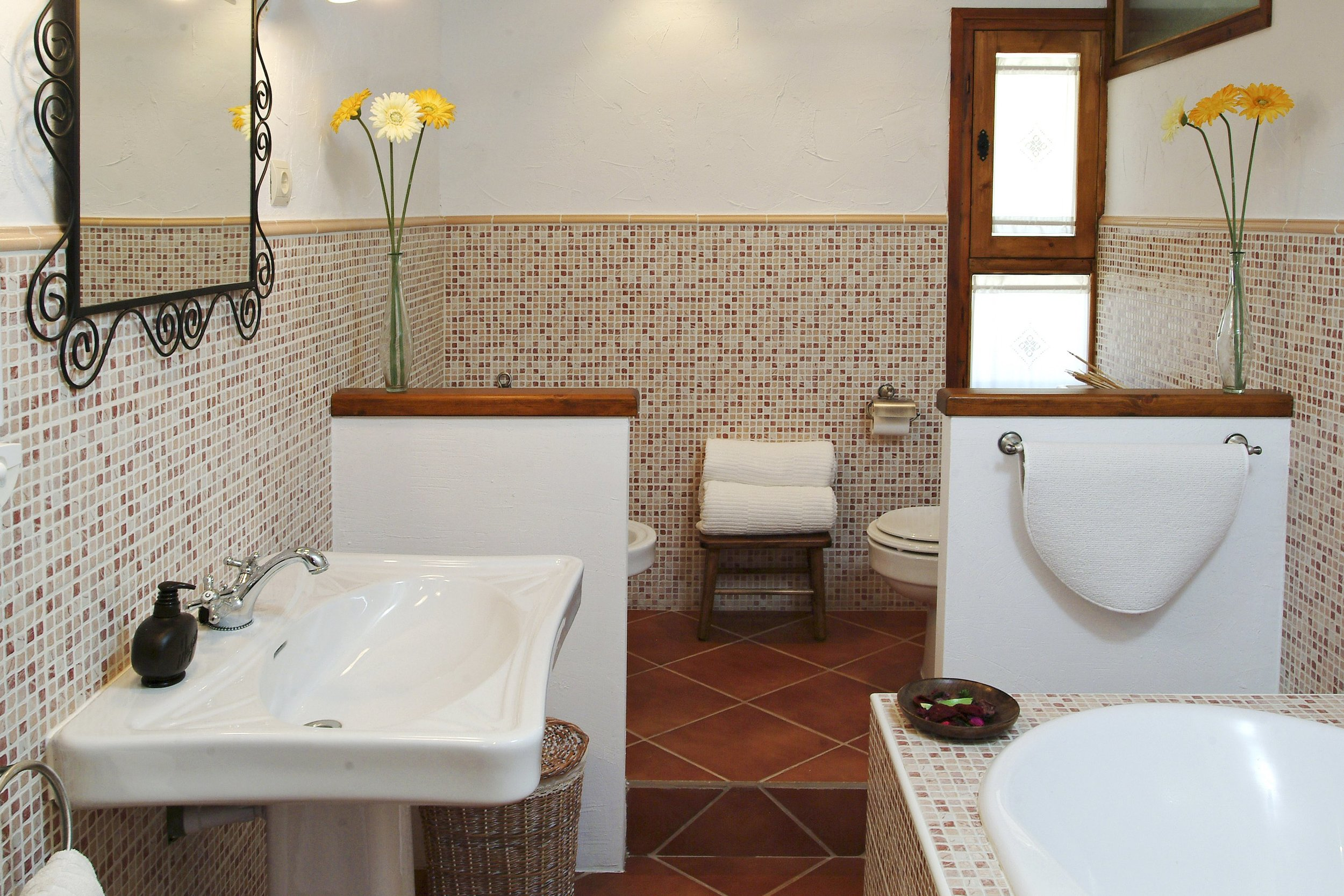 04 garbi batroom 1MB.jpg