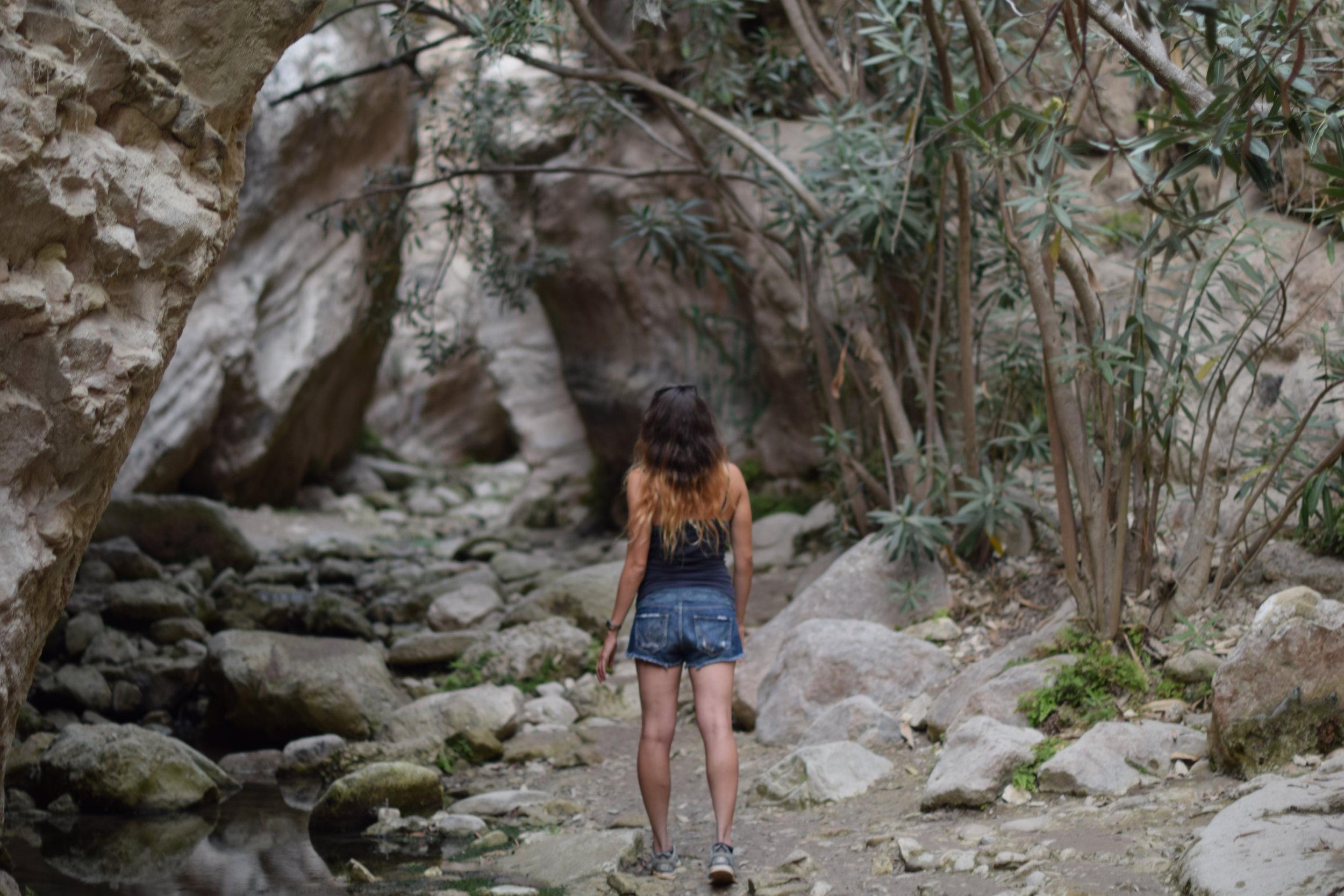 Caminando por el cañón de Avakas Gorge.