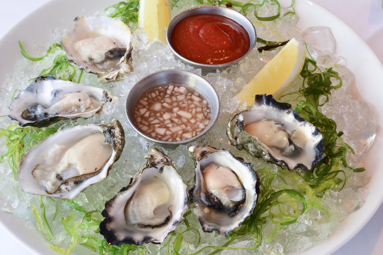 RingSide-Fish-House-Oysters-DSC_0775.jpg