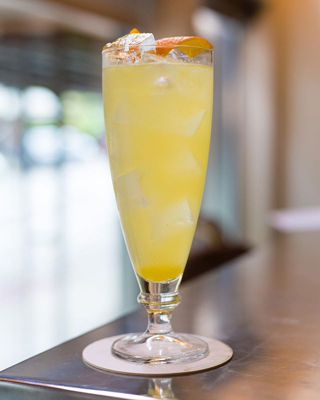 Our refreshing House Made Orange Vanilla Soda is the perfect call for a beautiful day like today 🍊 Come and see us this afternoon for happy hour till 6 pm!⠀ ⠀ #HeadwatersPDX #pdx #portland #downtownpdx #pdxdrinks #liqpic #cocktailbar #pdxdining #pdxeats #pdxnow #eaterpdx #eater