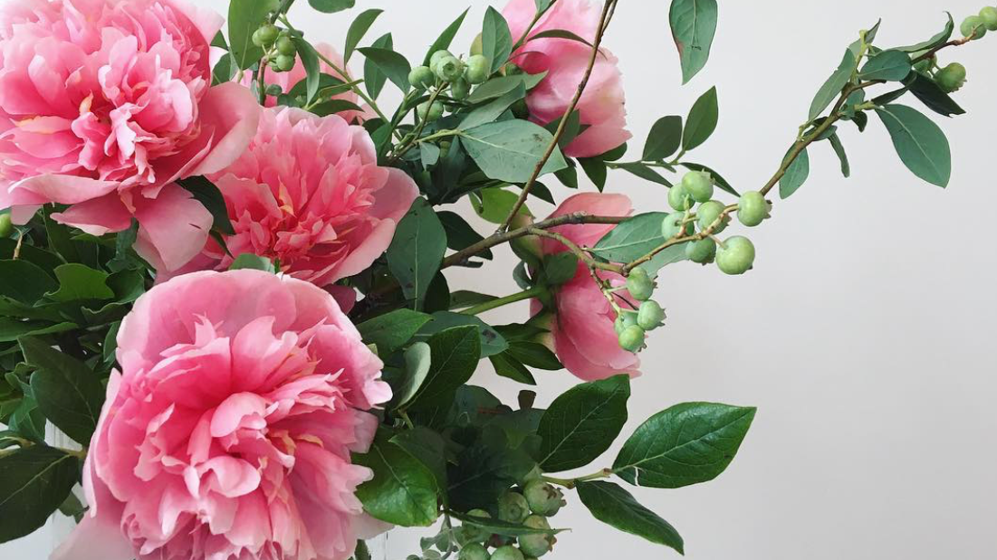 1) Personalized Service - Every Flower Subscription starts with a consultation from your personal floral stylist. We don't just want to send you the freshest flowers, we want to know what flowers you like, what flowers you don't, and how you'll be showing off your flowers so that we can deliver the perfect bouquet every time.