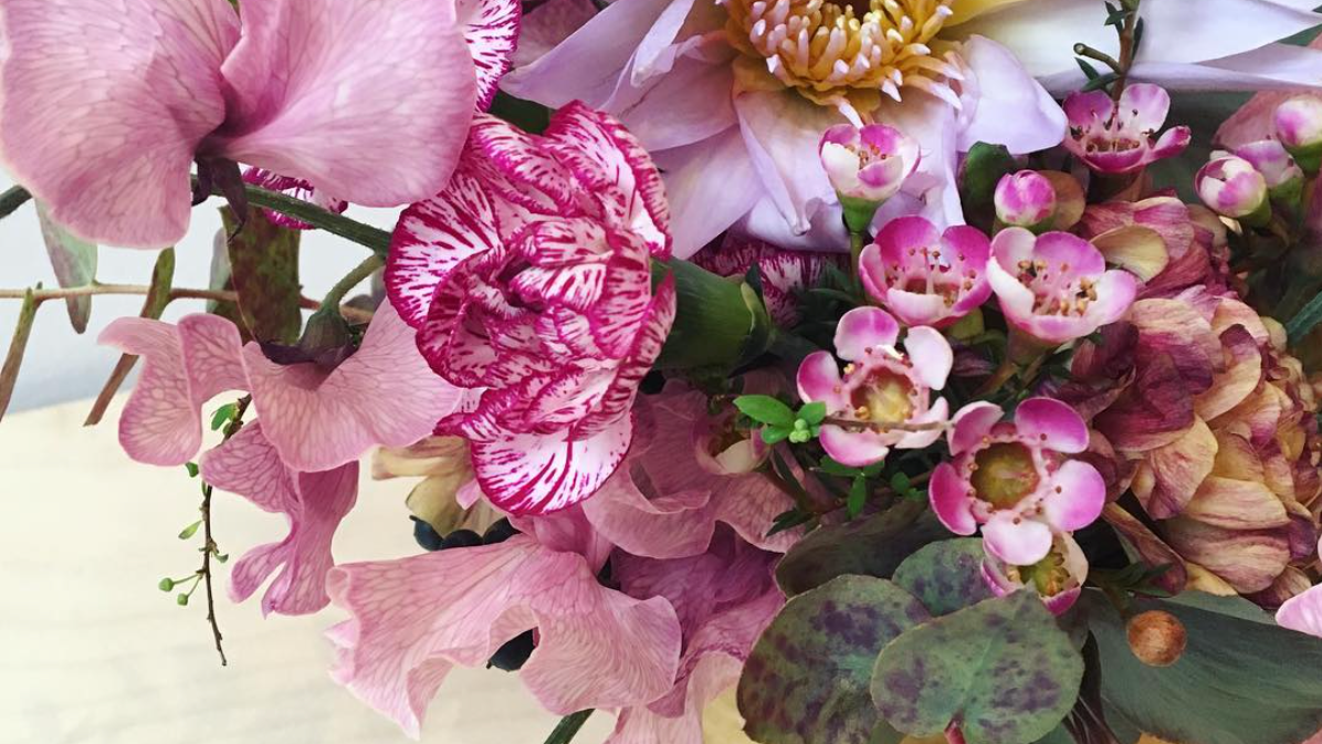 2) Expert Floral Designers.  - Each of our floral designers is an expert, having worked on commercials, photoshoots, and events for top brands in fashion, food, luxury, and more. From picking the freshest flowers to finding eye-catching vases, we'll make sure every detail is handled with top-notch care.