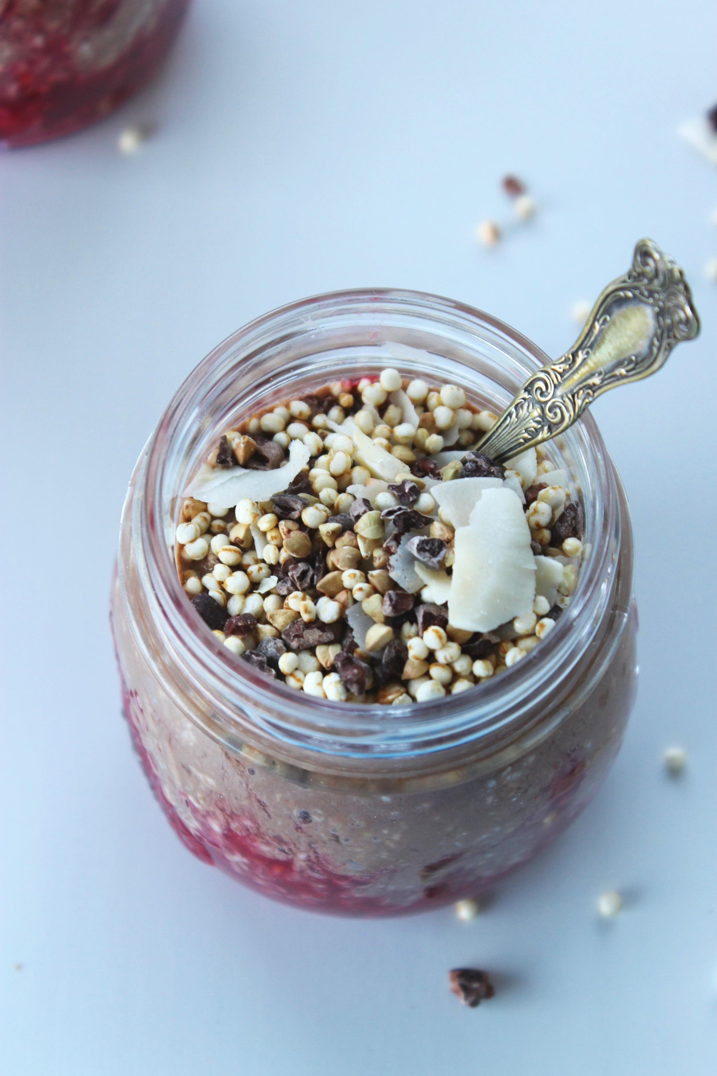 Raspberry cocoa overnight oat pots {vegan & gluten free} | Beloved Kitchen