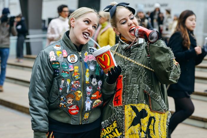 New-York-Fashion-Week-Fall-2015-Street-Style-17-700x467.jpg