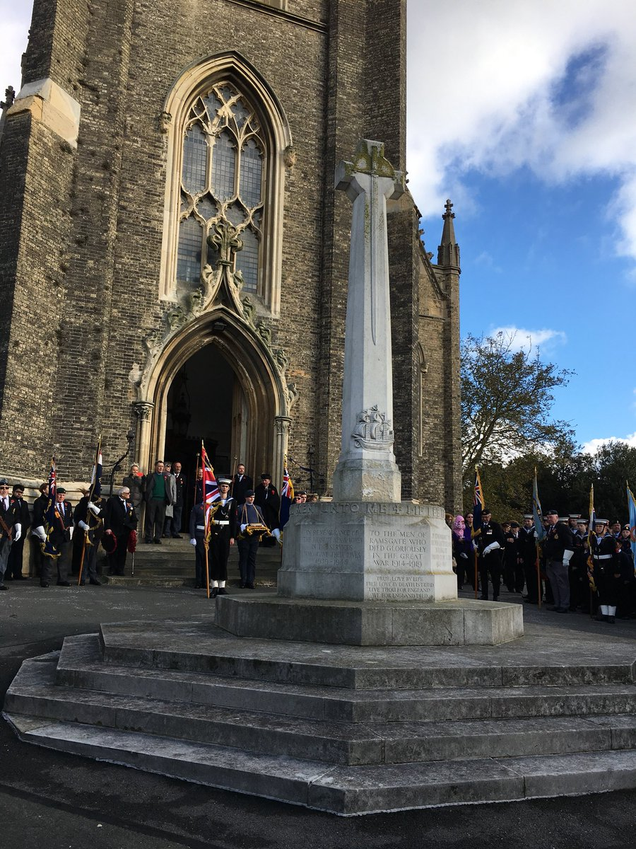 Remembrance Sunday Wreath Laying in Ramsgate1 Nov17.jpg