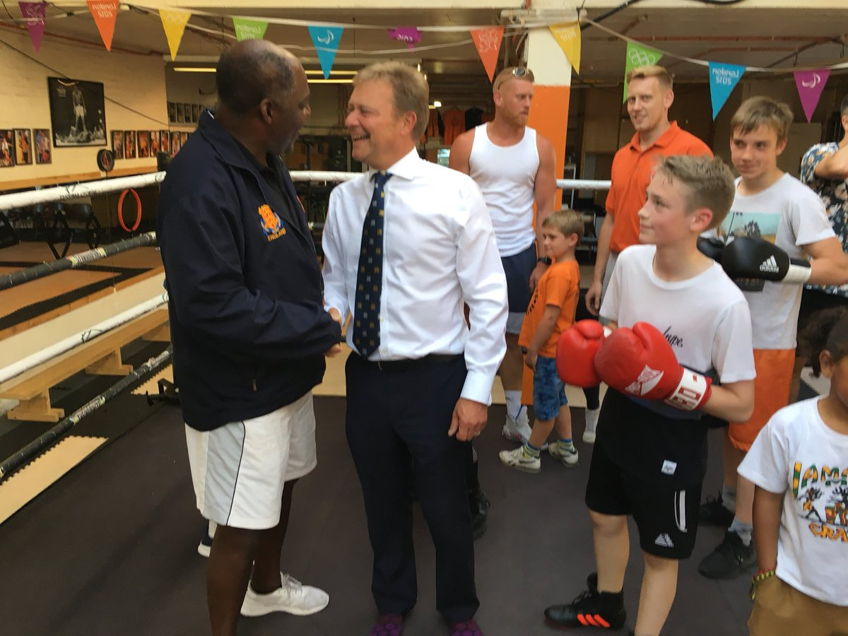 CM with The Hornets Boxing Academy2 June18.jpg