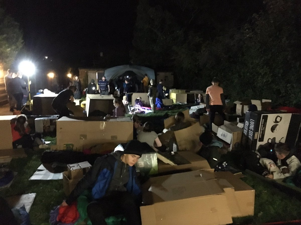 CM with Kent Scouts sleep out for Porchlight homeless3 Oct18.jpg