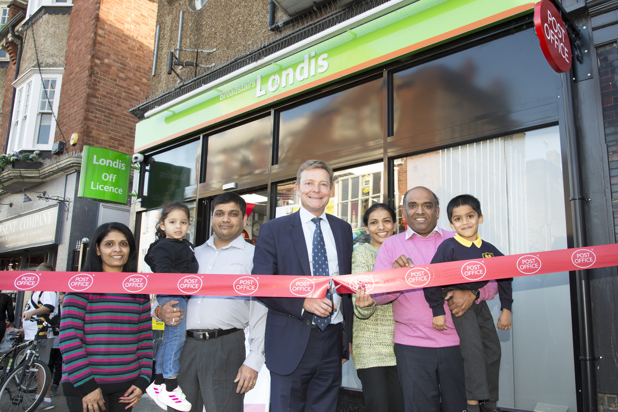 Craig opening the Londis Store's Post Office in the High Street at Broadstairs