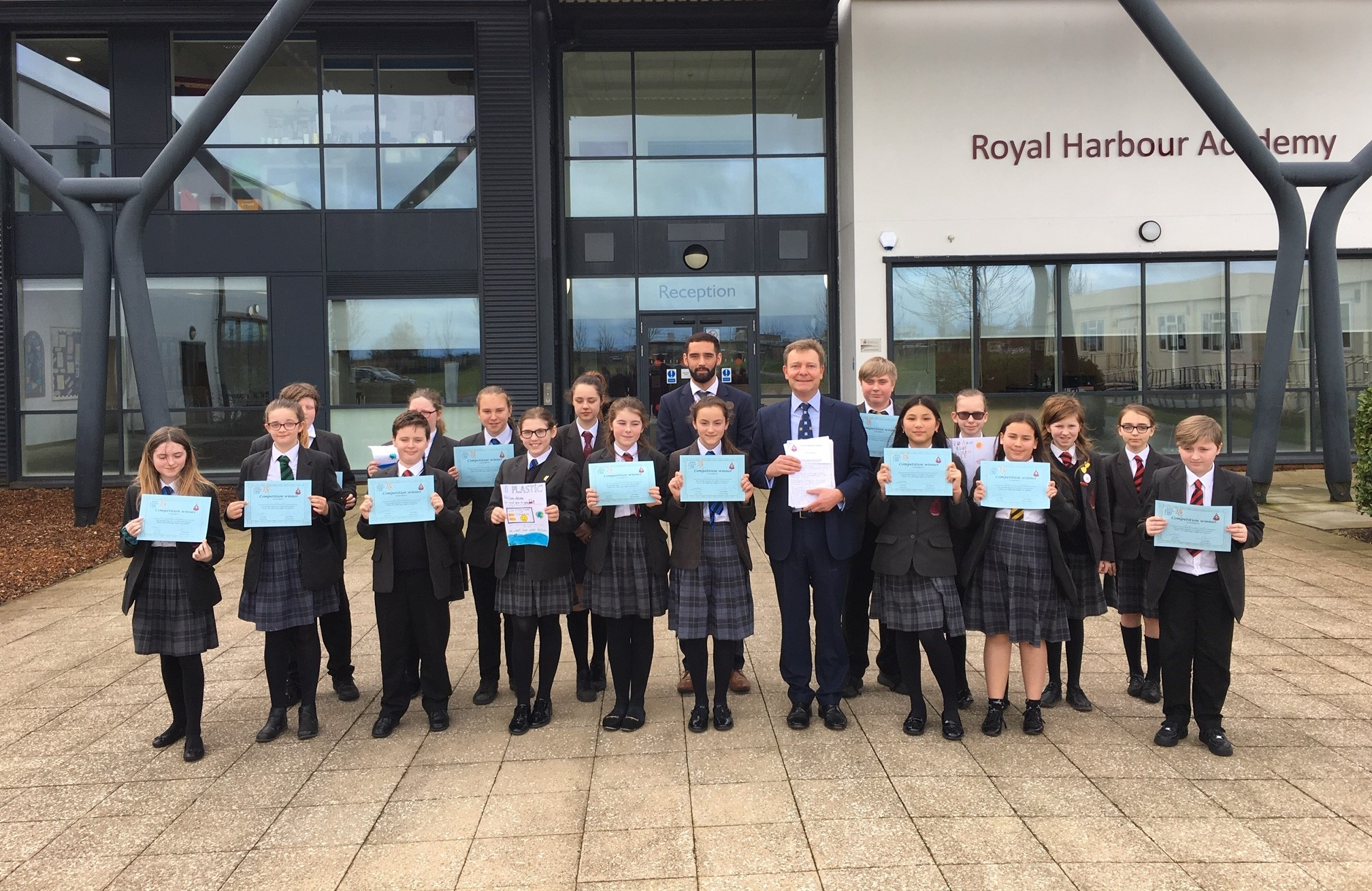CM with The Royal Harbour Academy for Science Week Mar19.jpg