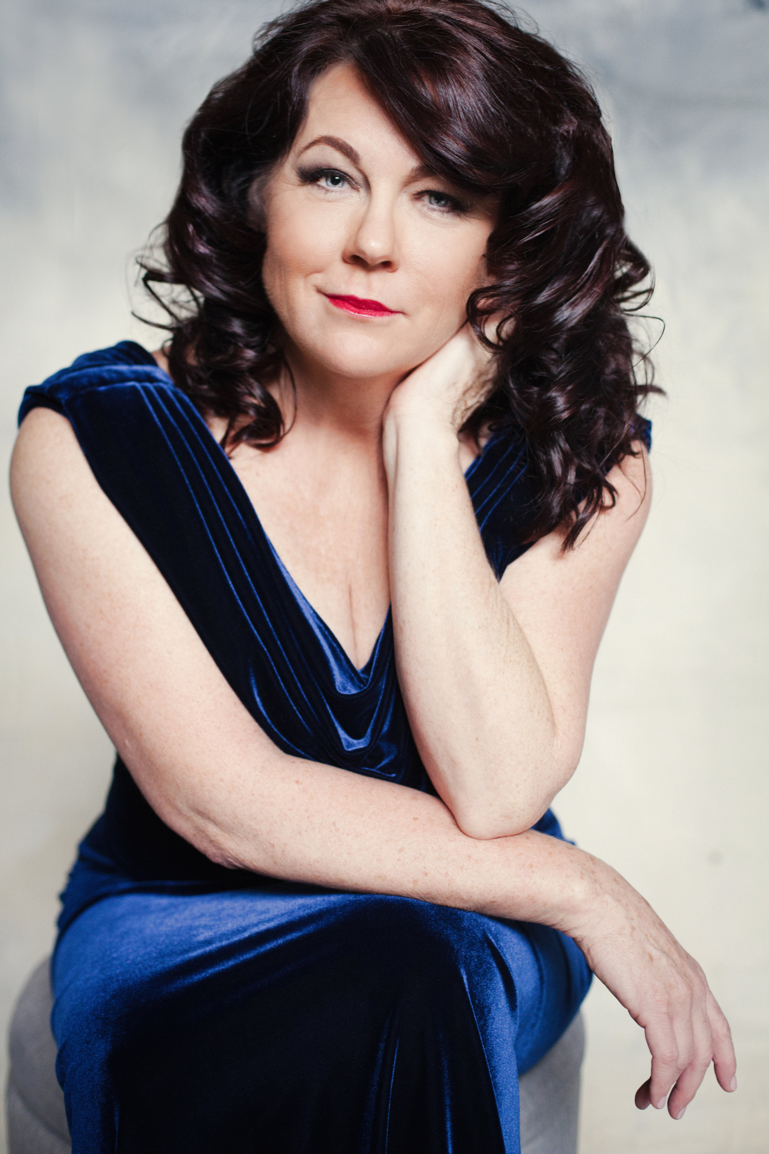 women over 50 - beautiful - feeling glamourous - makeover - photo shoot