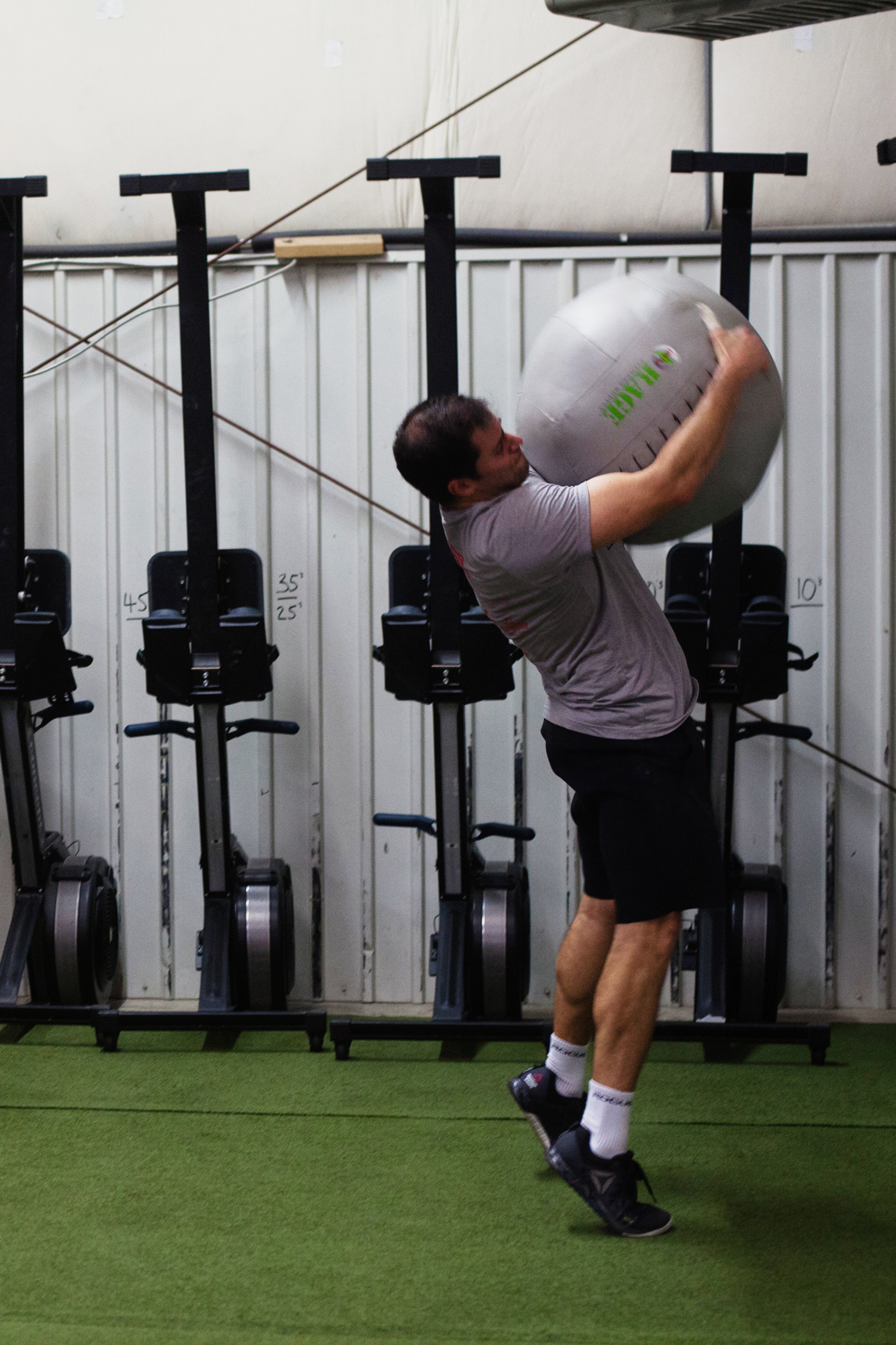 warm up - crossfit - throwing stuff