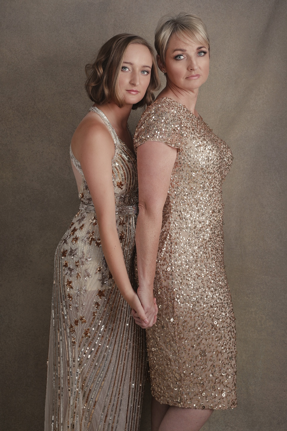 mother daughter photo shoot - legacy - heirloom photos - families