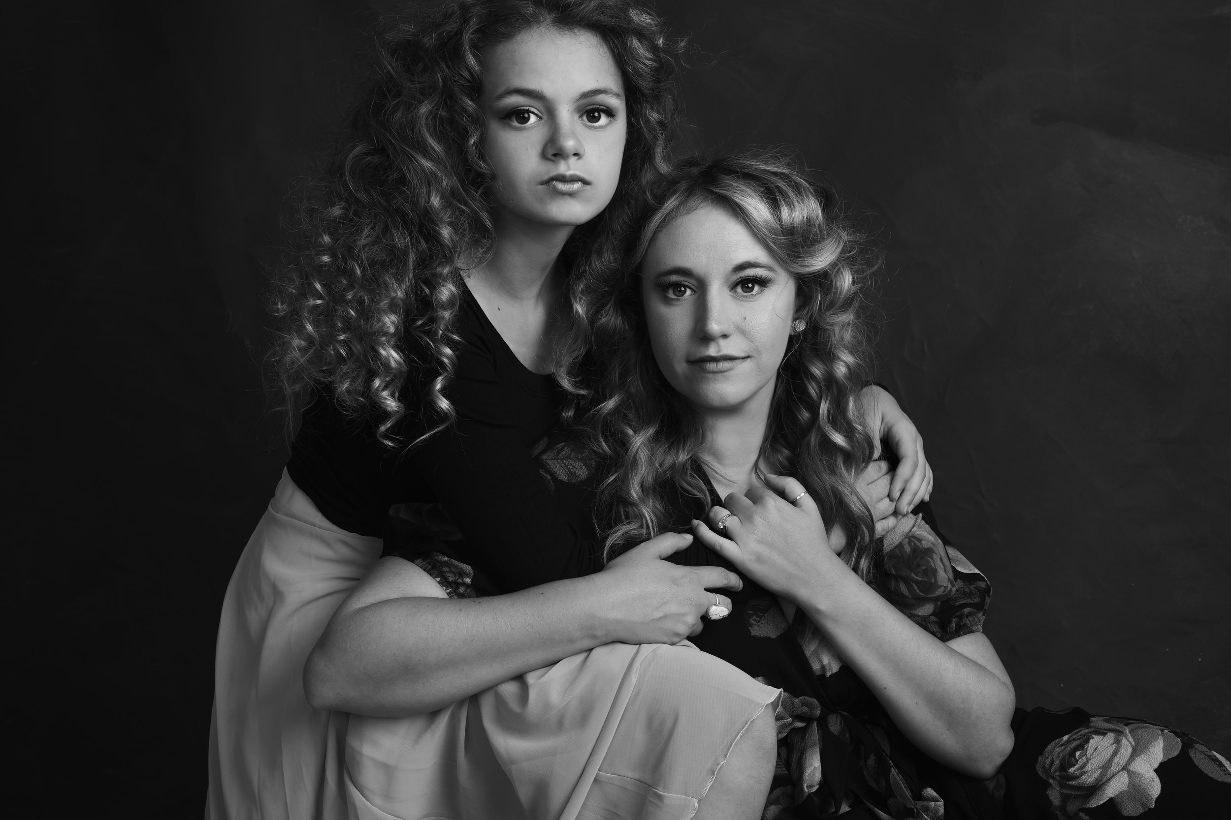 heirloom - mother daughter - win a portrait session - photo shoot