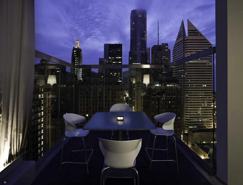 ROOF on theWit , photo courtesy of The Johnson Studio at COOPER CARRY
