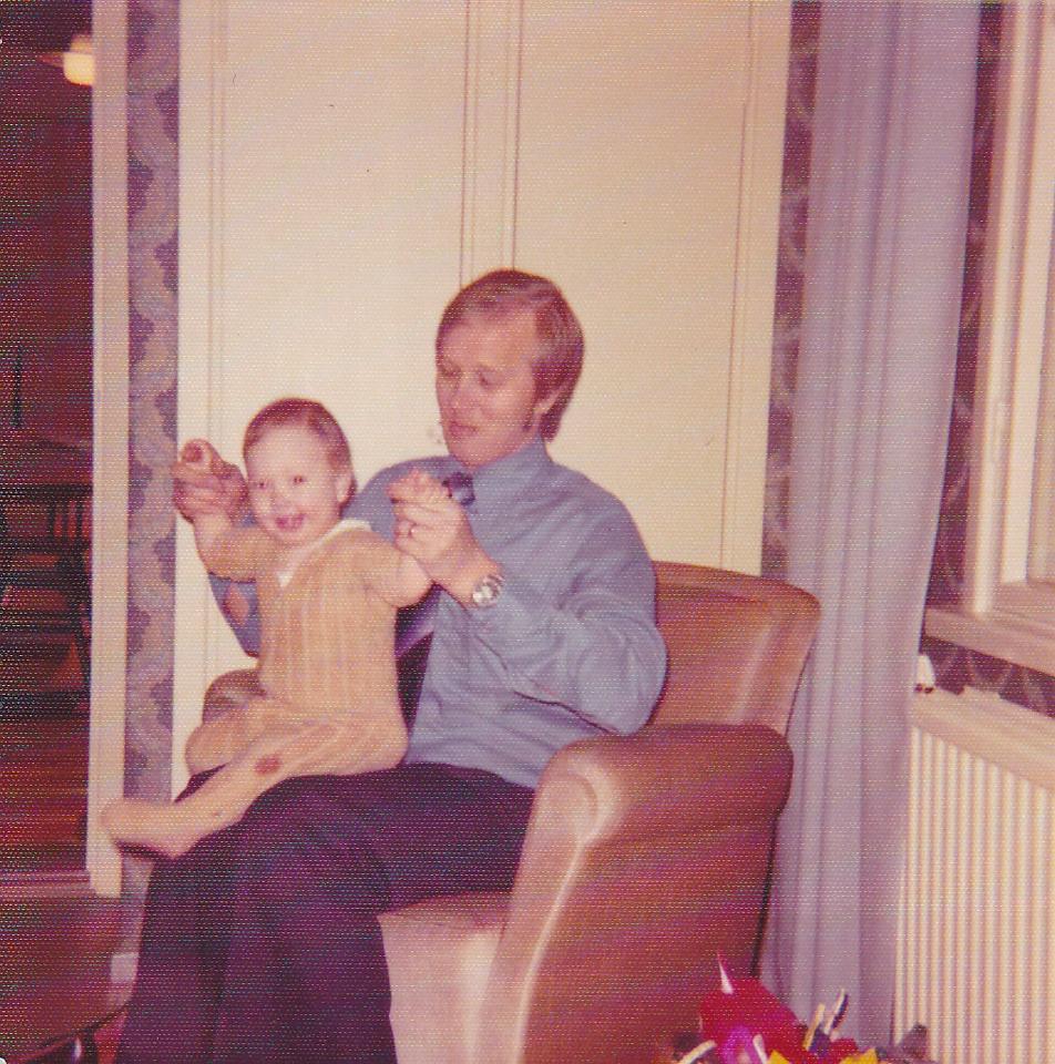 Baby Sennu with isä (dad)