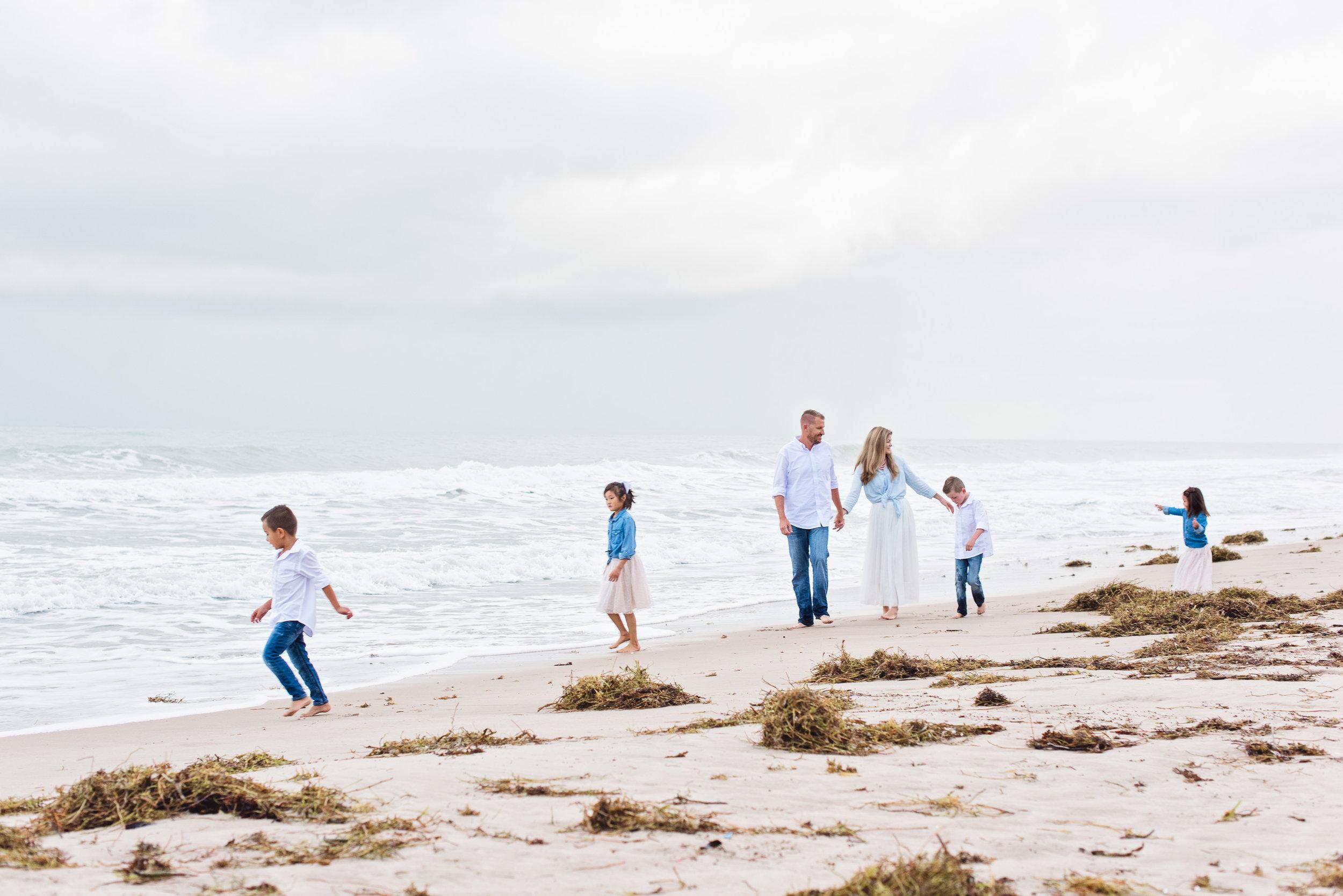 vero-beach-family-photographer-beach-session07.jpg