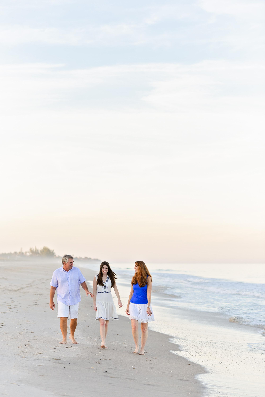 vero-beach-photographer-beach-session-4.jpg