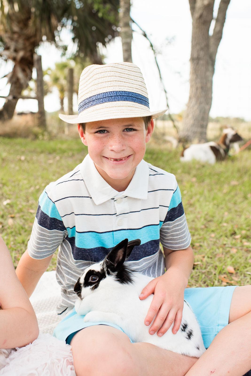 easter-photo-sessions-children-animals-02-6.jpg