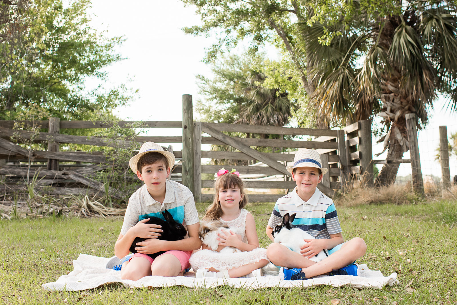 easter-photo-sessions-children-animals-02-5.jpg