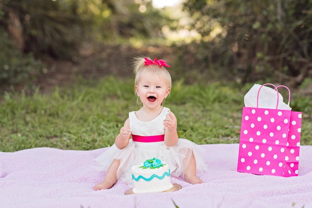 baby-first-birthday-cake-smash-2.jpg