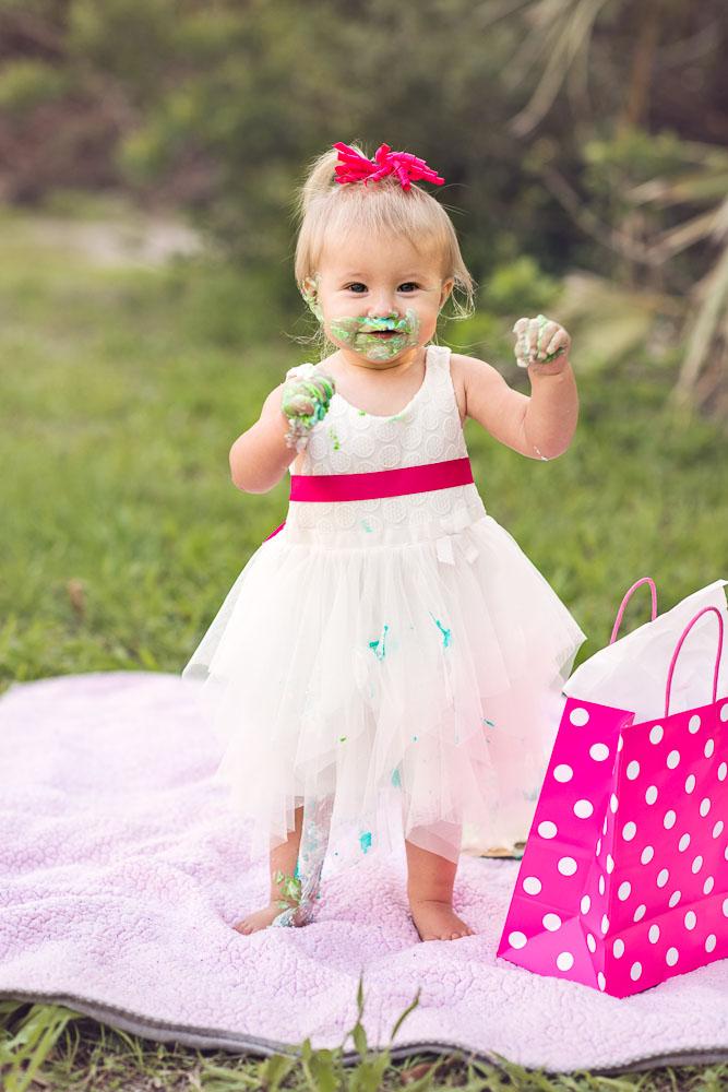 baby-first-birthday-cake-smash-vero-beach-3.jpg