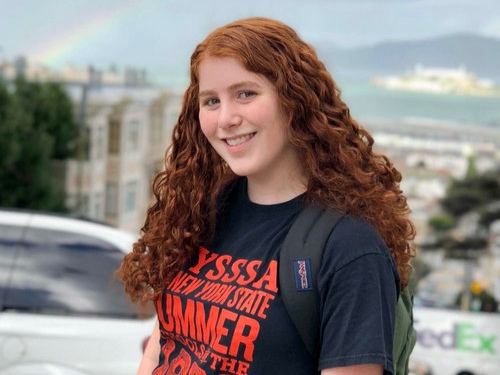 Julia Losner   McKinlock B-212   jlosner@college.harvard.edu