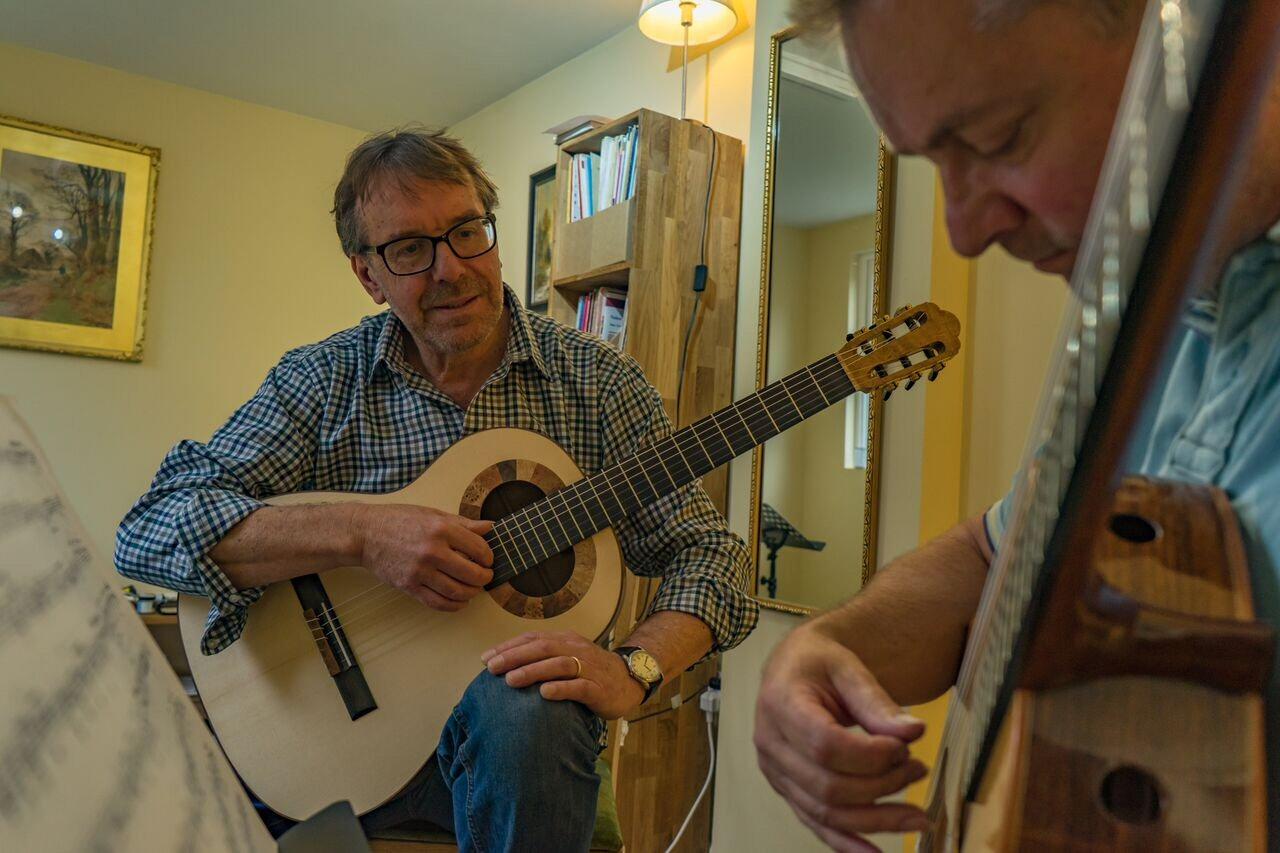 Rob Johns classical guitar tuition advanced grades