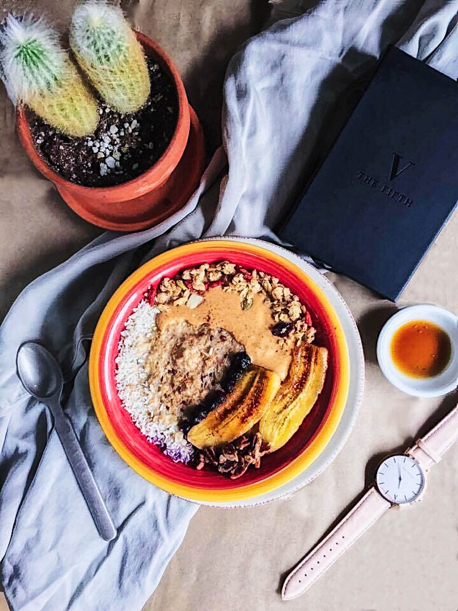 blissful-oatmeal-with-the-5thco-watch.jpg
