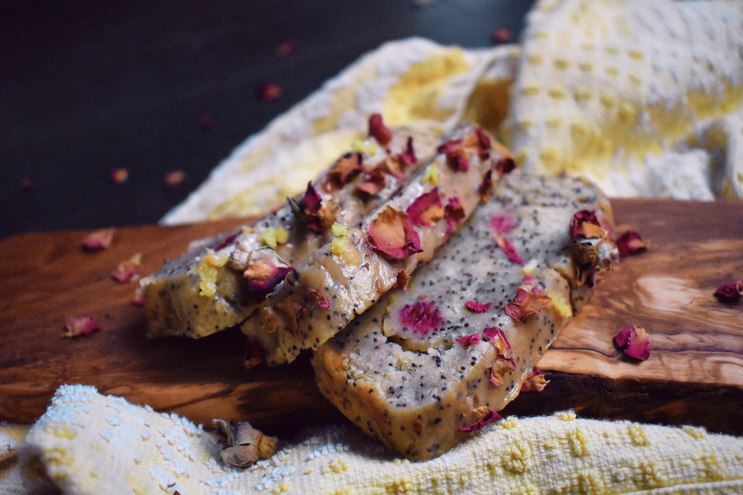 vegan-lemonraspberry-poppyseed-muffins.jpg