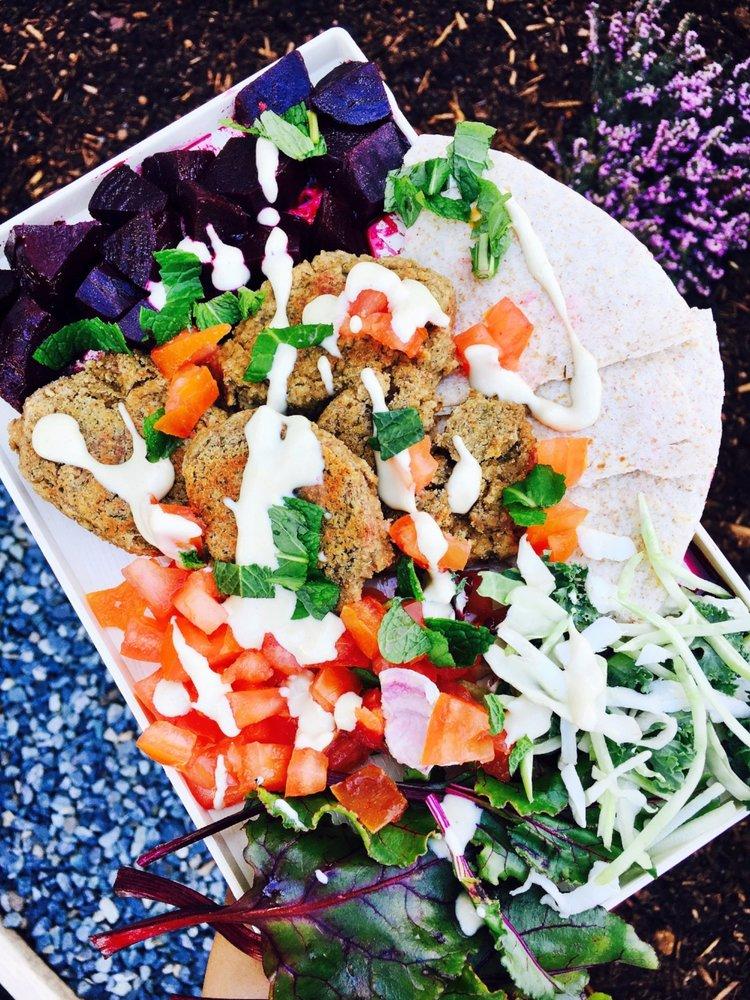 Felafel Salad Platter