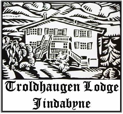 Logo Troldhaugen Lodge.jpg
