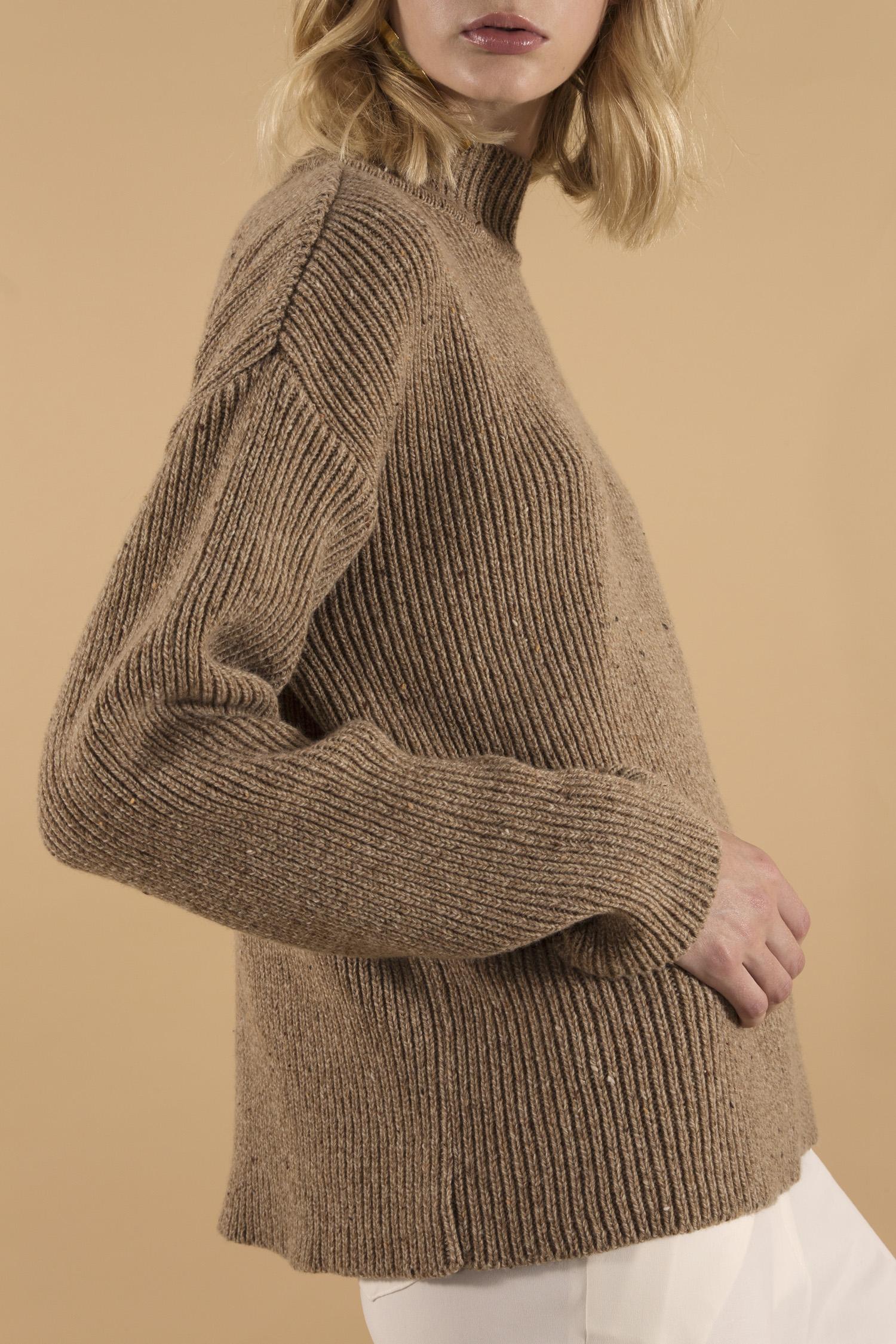 Philippa sweater camel, close up.jpg
