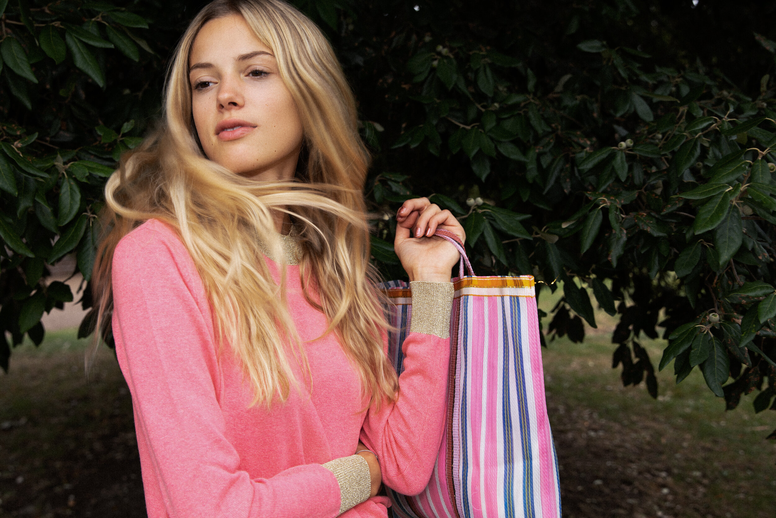 PRETTY AS PINK    EXPLORE OUR LIGHTWEIGHT KNITS