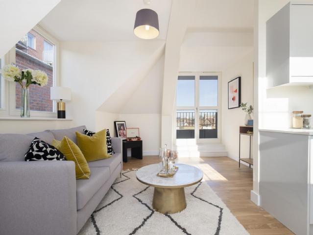 1_bedroom_flat_for_sale_in_new_zealand_avenue_walton_on_thames_surrey_kt12_london_9070088548432496860.jpg