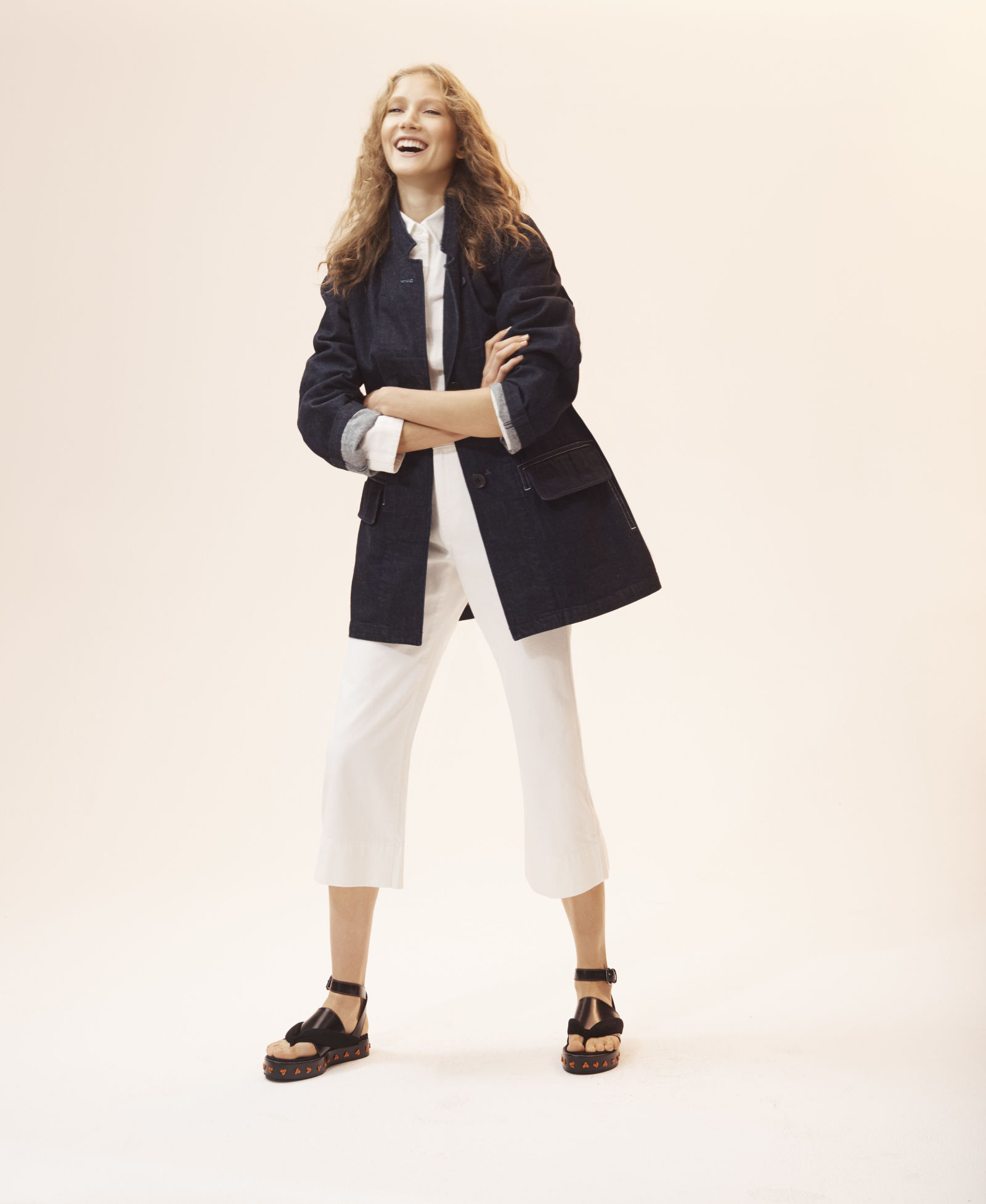 "<a href=""http://www.elle.com/fashion/shopping/a43550/christophe-lemaire-uniqlo-u/"" target=""_Blank"">ELLE</a>"