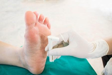 33084888_S_Feet_Surgery_Doctor_Doctors Office.jpg