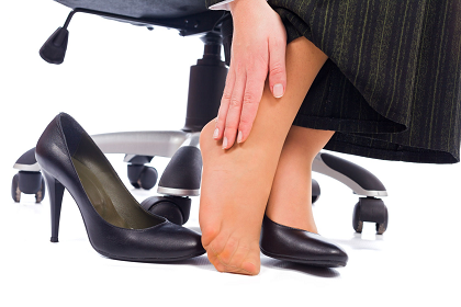 26421119_L_High Heel_Ankle Pain_Black Shoes_Feet.png