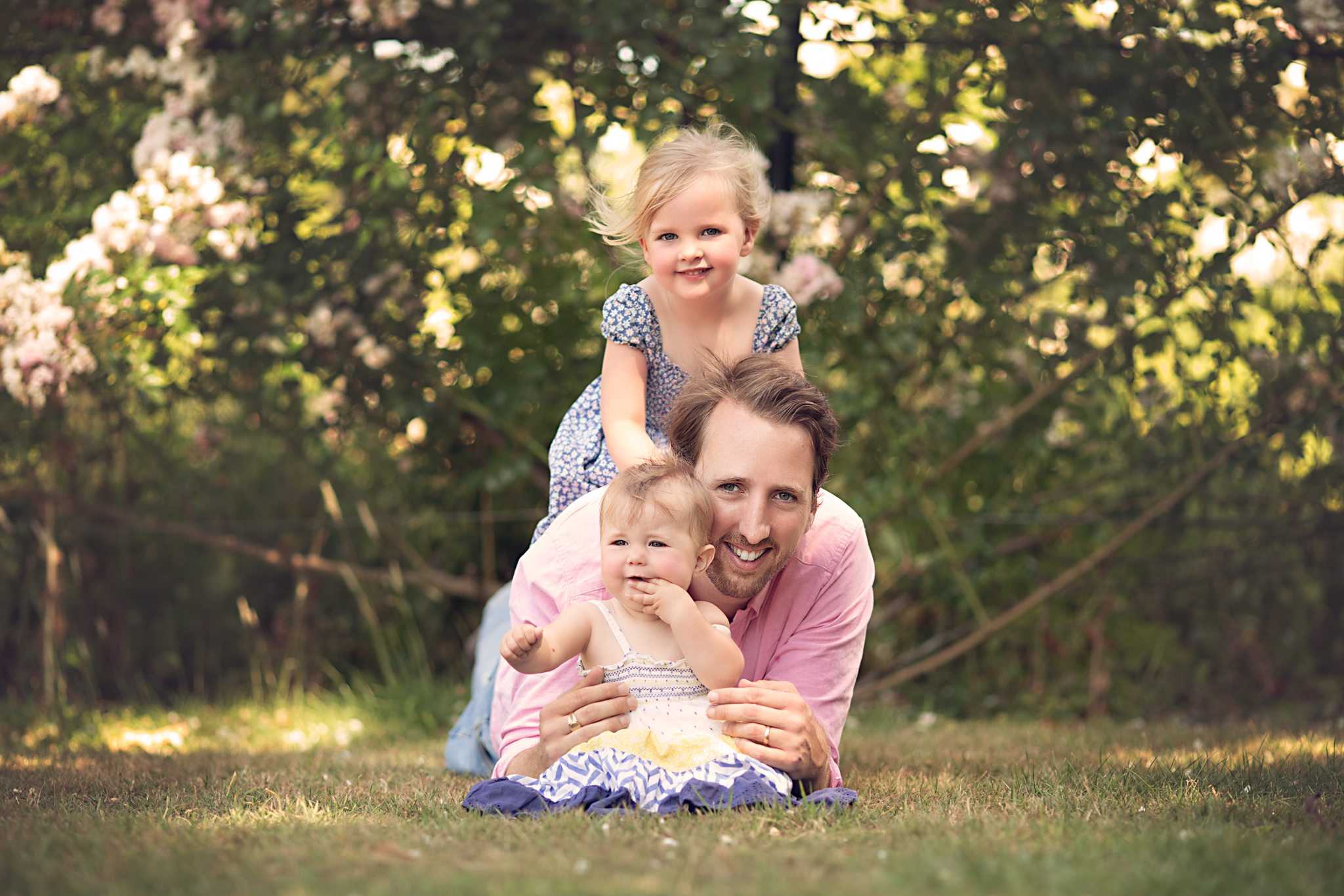 Dad and Daughters - Bedford Family Photographer.jpg