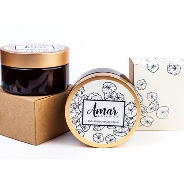 The momma of #heyjetsetbaby developed a cream with one of the best dermatologists in NYC to combat and prevent stretch marks. Using only 7 natural, vegan ingredients, this cream is 100% safe for baby and momma. Available now on Amazon @amarbotanica. #pregnantbelly #safepregnancy #naturalpregnancy #veganpregnancy