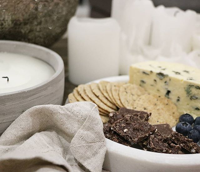 S O C I A L  C O N T E N T // Green and Black's Dark Chocolate Crisps - Salted Caramel & Almonds. By @houseoflilley. . . . . . . . #luxuryevents #luxurytravel #seeaustralia #visitaustralia #travel #honeymoon #eventdesigner #eventplanner #eventstylist #weddingdesigner #goldcoastevent #brisbaneevent #sunshinecoastevent #byronbayevent #platter #foodstylist #visualstylist #socialcontent #socialcurator #virtualassistant #socialmedia #contentcreater #events #tablestyling #designemporium #byhouseoflilley