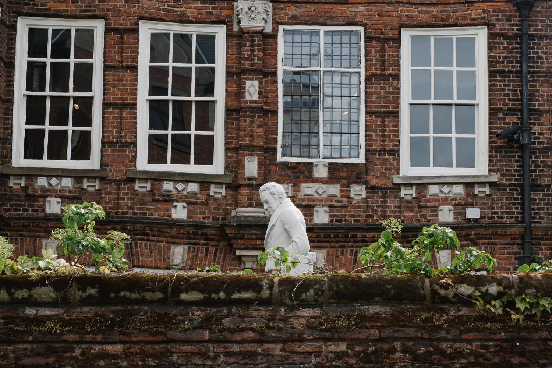 Leave_London_Behind_Hull-11.jpg
